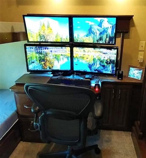 quad-monitor2